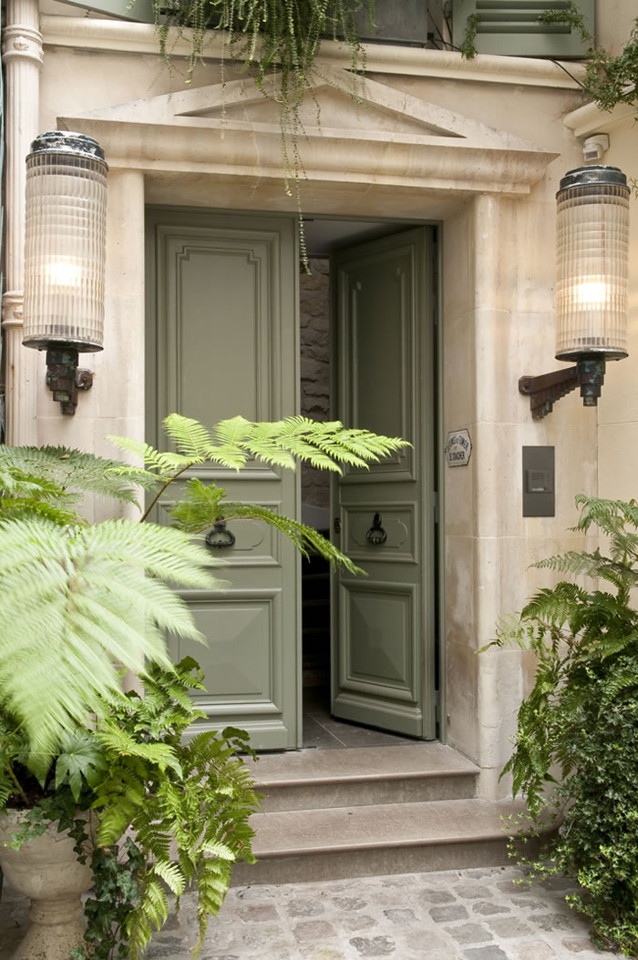 these wel ing double entry doors are by the french architecture