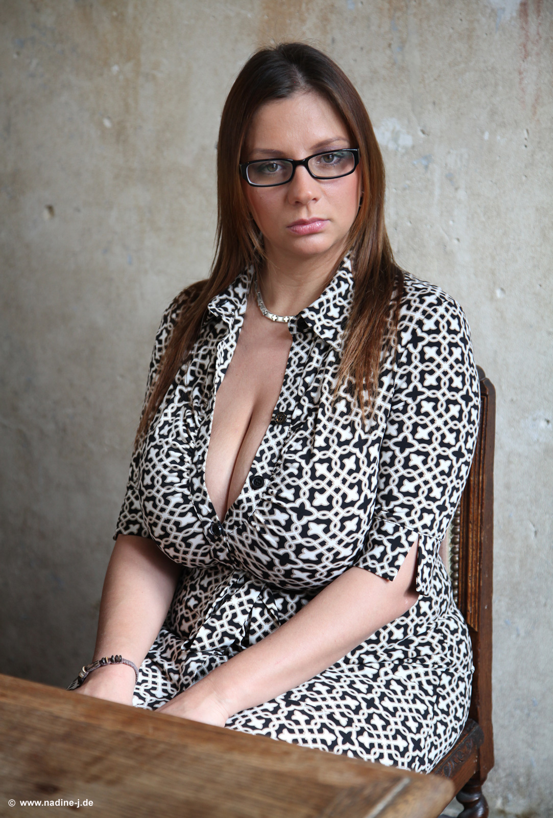 Nadine Jansen: Bubbly, With Glasses, In An Abandoned Villa