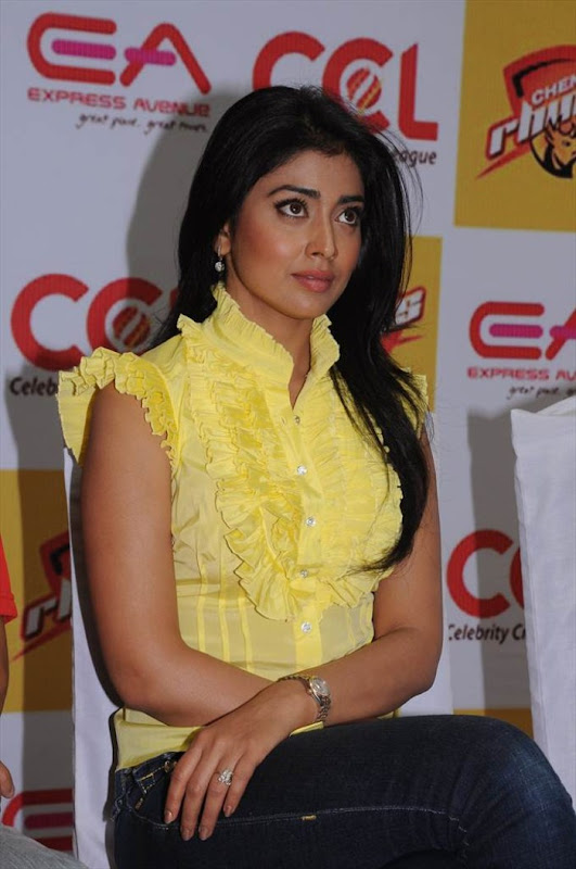 Shriya Saran at CCL Promotional Event glamour images