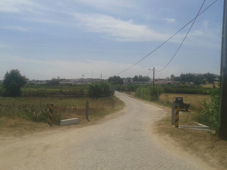 Estrada da Rua do barco em direção a Mora
