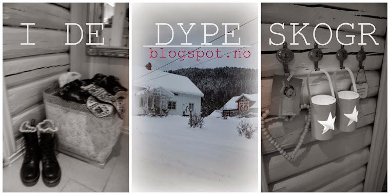 I DE DYPE SKOGER