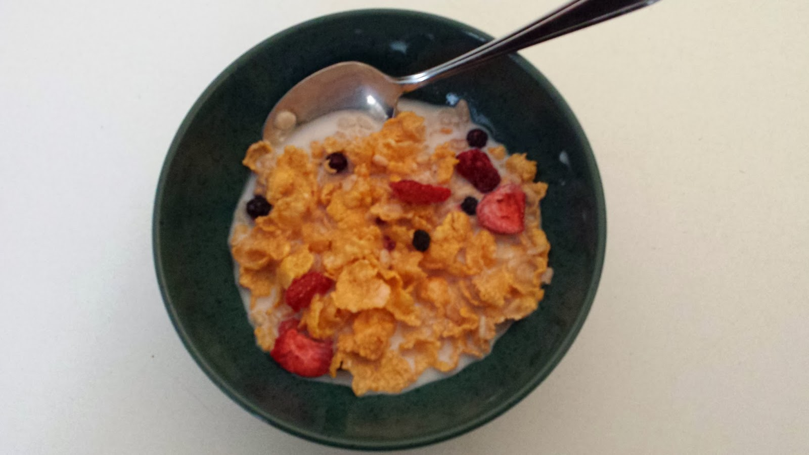 Cathy thinking out loud wildroots tripleberry crisp gluten free i found this cereal to be very tasty and the flakes stayed crisp in milk and did not get soggy after 5 seconds i hate when the flakes get soggy before you ccuart