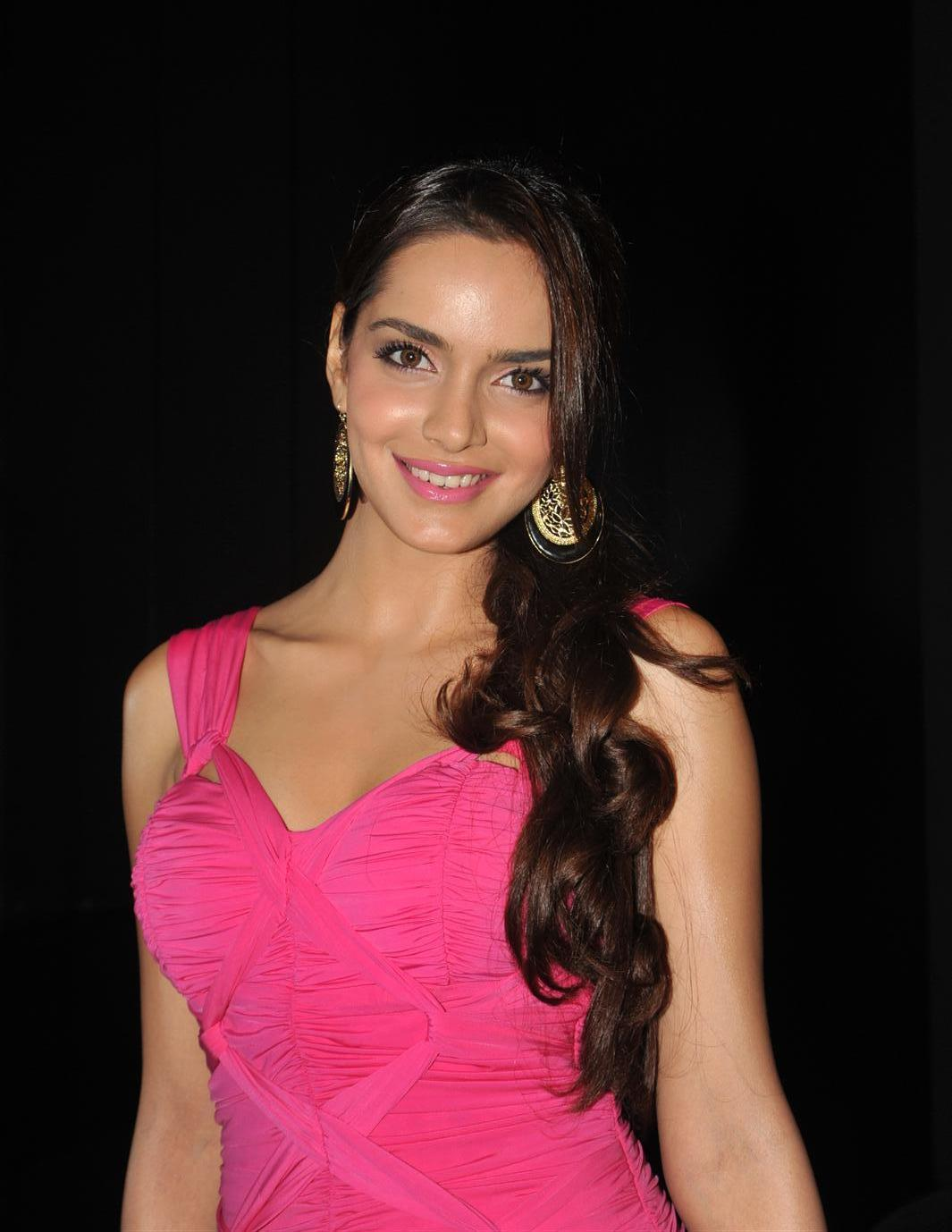 shazahn padamsee spicy in pink dress at event