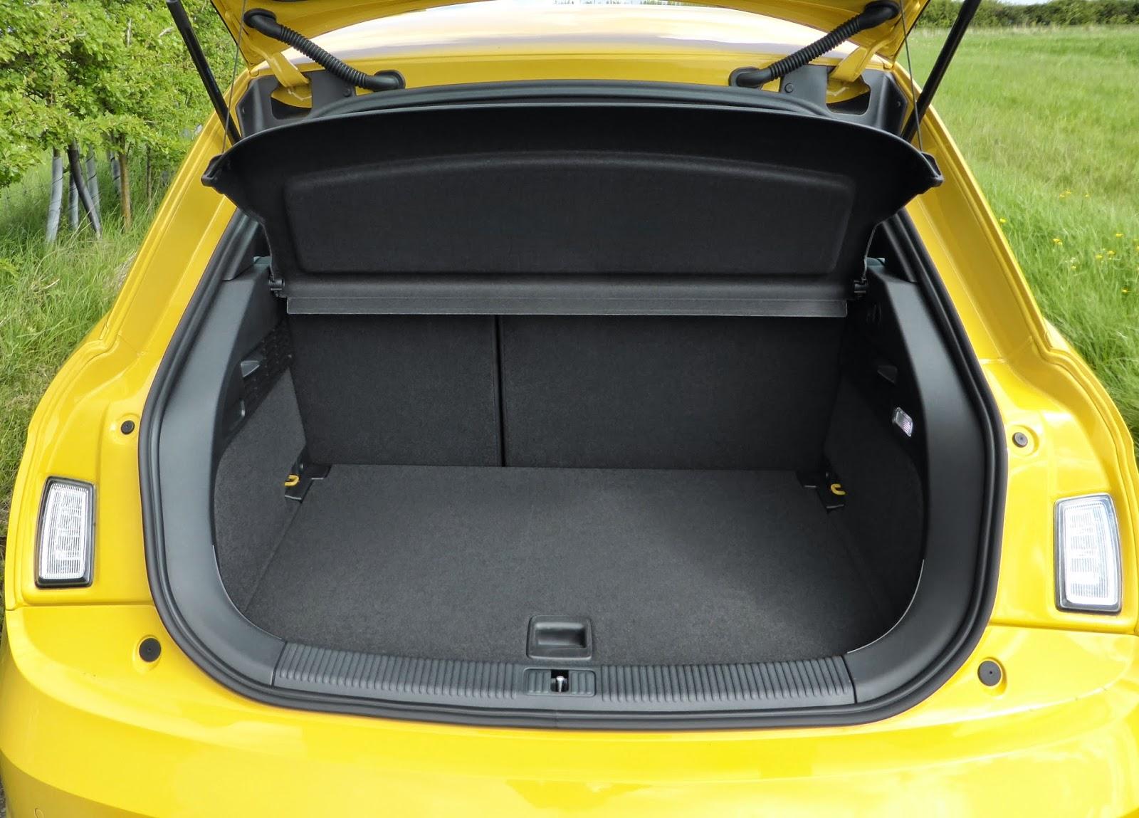 2014 Audi S1 boot