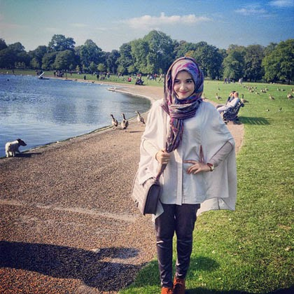 cara memakai jilbab ala zaskia