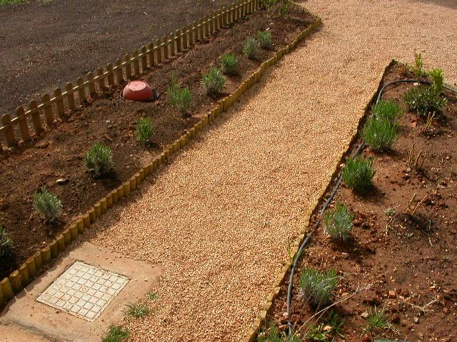 Le garden fundamentos de jardineria for Bordes jardin