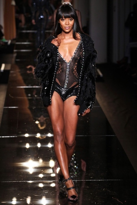 Naomi Campbell in Aterlier Versace Fall 2013 Show