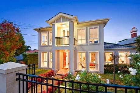 แบบบ้านสองชั้น บ้านสไตล์โมเดิร์น สวยเตะตา