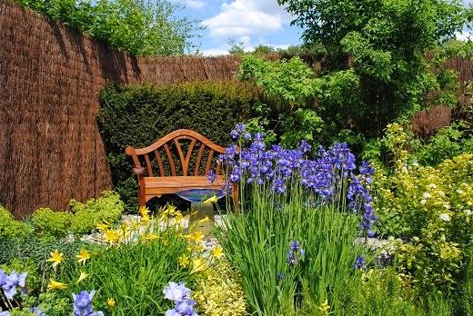 Dise o de jardines parques y jardines modernos y peque os - Diseno de jardines para casas de campo ...