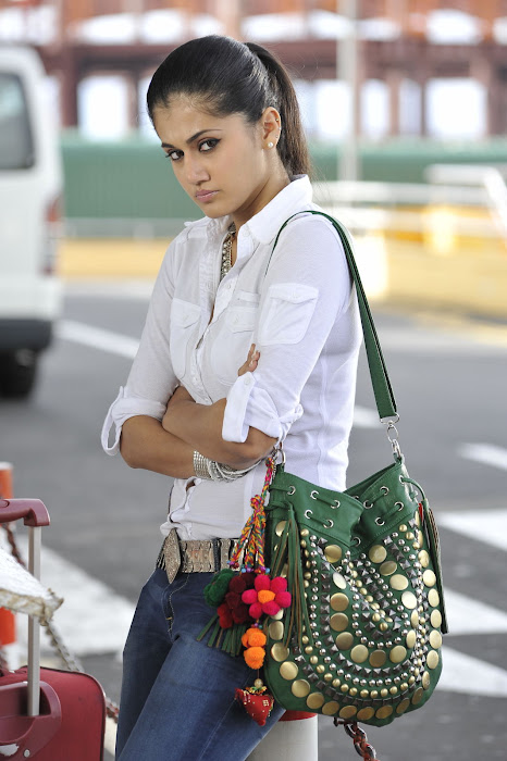 tapsee pannu nice glamour  images