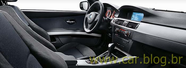 BMW 318i Sport - interior