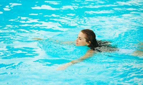 5 Olahraga Air Membantu Menurunkan Berat Badan Lebih Cepat