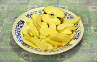 Recette facile et simple tarte aux pommes plat rapide et facile recette simple et facile - Couper des pommes en lamelles ...