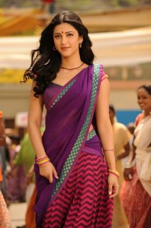 Shruti moves to Mumbai