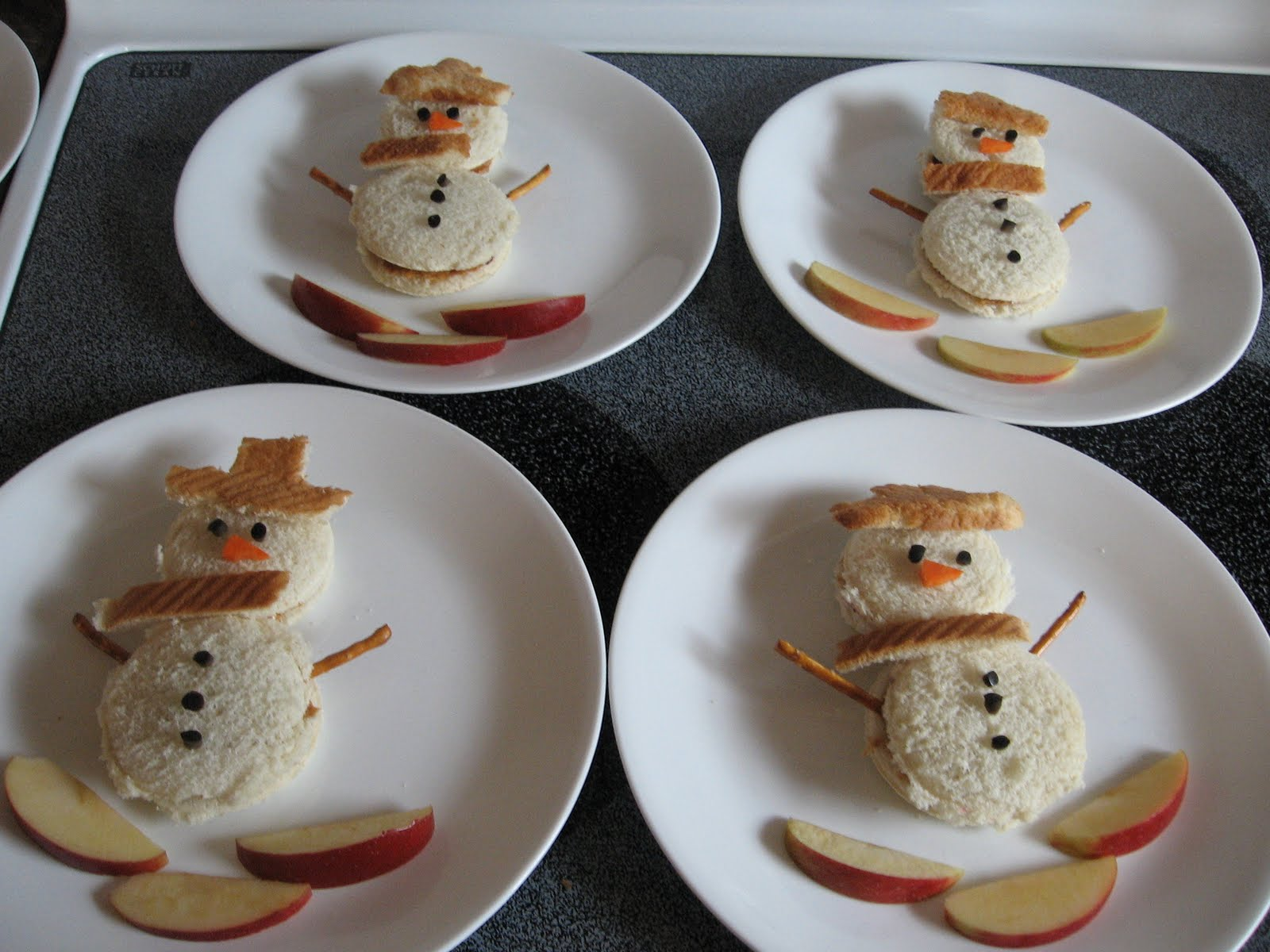 simple christmas themed lunch making christmas magic