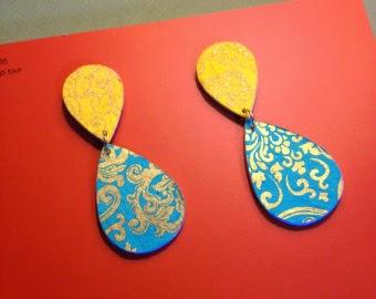 brincos feitos de papel machê
