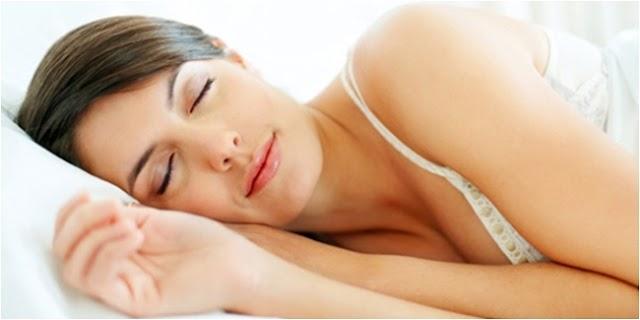5 Cara Tidur yang Melangsingkan