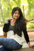 Ulka Gupta glamorous photos-thumbnail-7