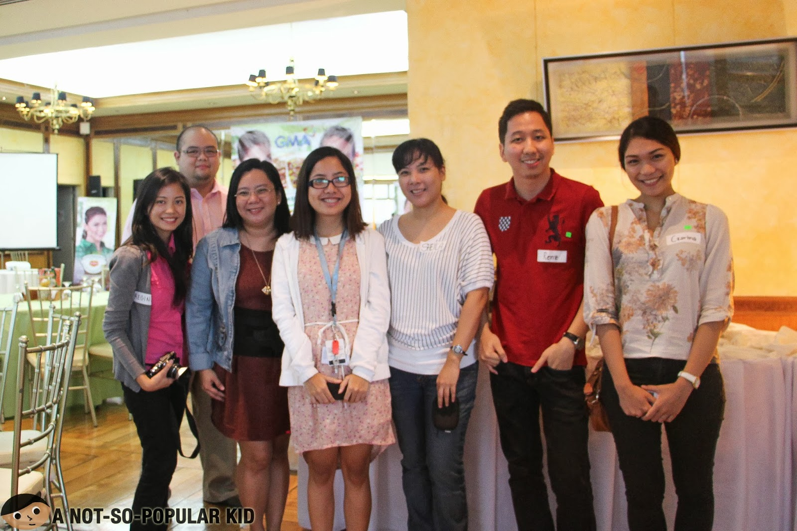 Renz Cheng (A Not-So-Popular Kid) with Czarina Santos and other food bloggers
