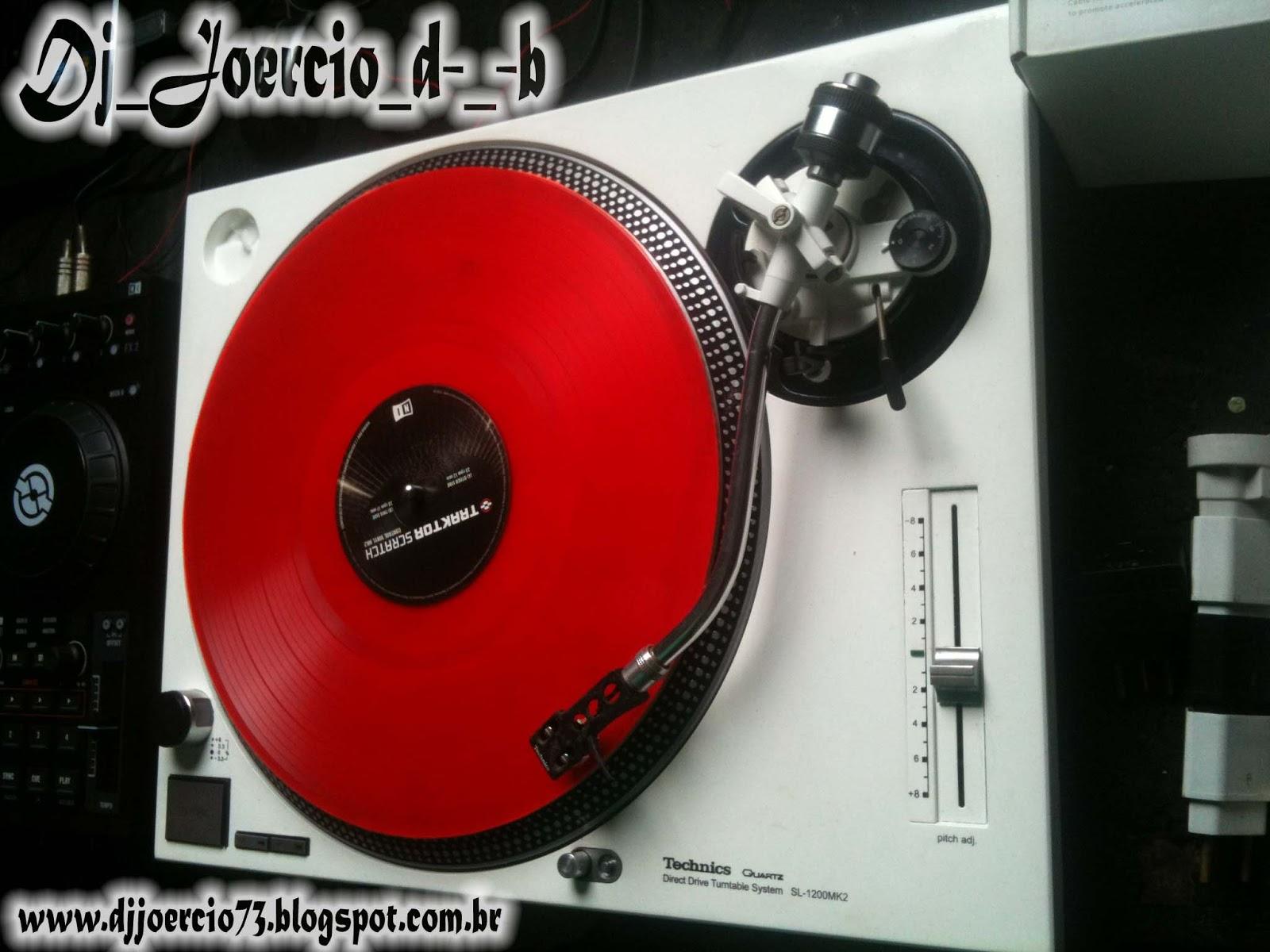 http://3.bp.blogspot.com/-jaOsA6XKQpQ/UIazjDcLzQI/AAAAAAAAAdY/OZ68EhdgZJU/s1600/Dj+Joercio+Set+Mix.jpg