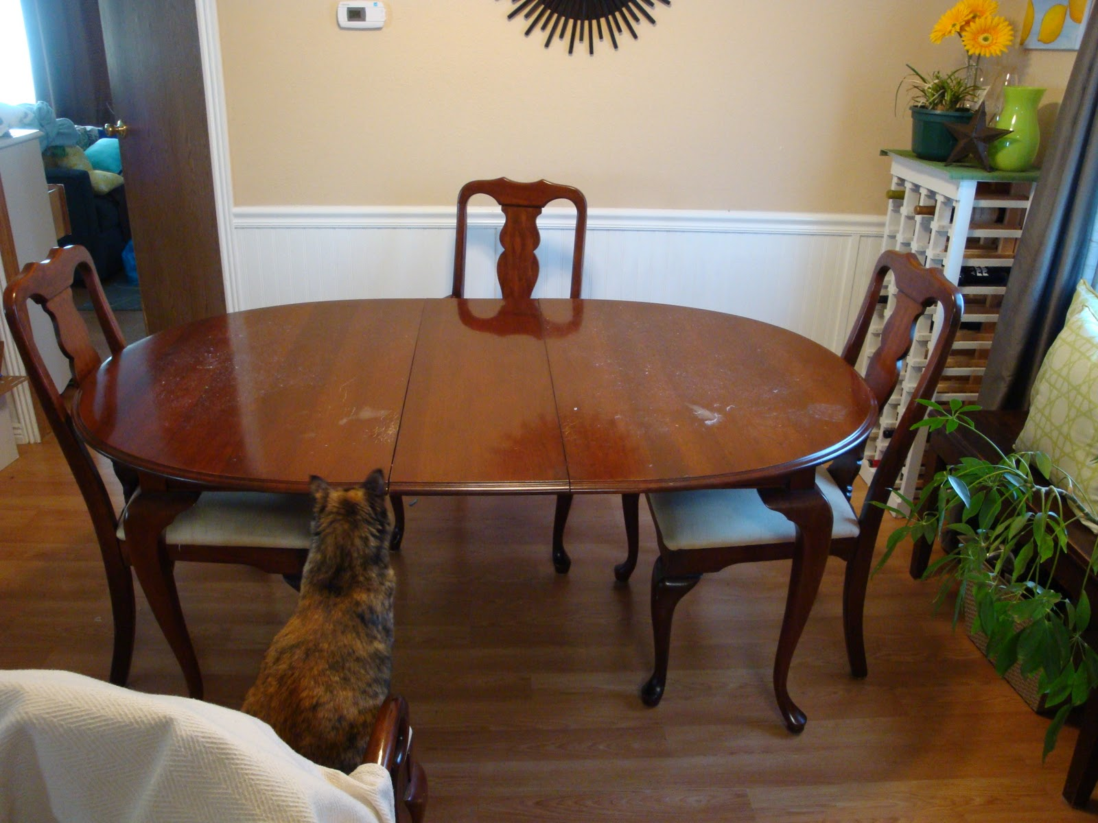 Im Thinking That Selling The Table Is Best Way To Start Making Some Extra Cash For Buying My New Furniture Does Have Slight Scratches