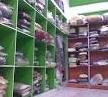 gambar rak penyimpanan pakaian pada laundry kiloan