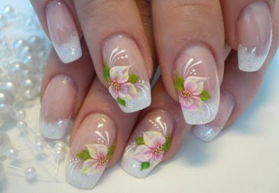 feminine+flower+french+nail+art+ideas  perfect manicure nails with flowers French manicure with flowers French manicure fashion manicure elegant manicure decoration of nails black nail polish beautiful manicure