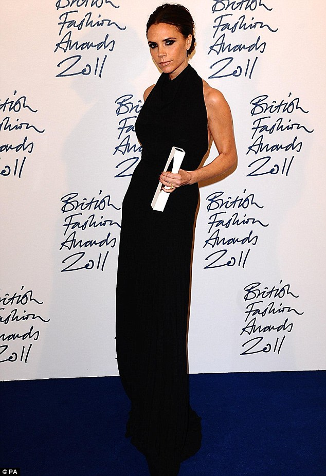 Model Gaya Fashion Victoria Beckham Terbaru