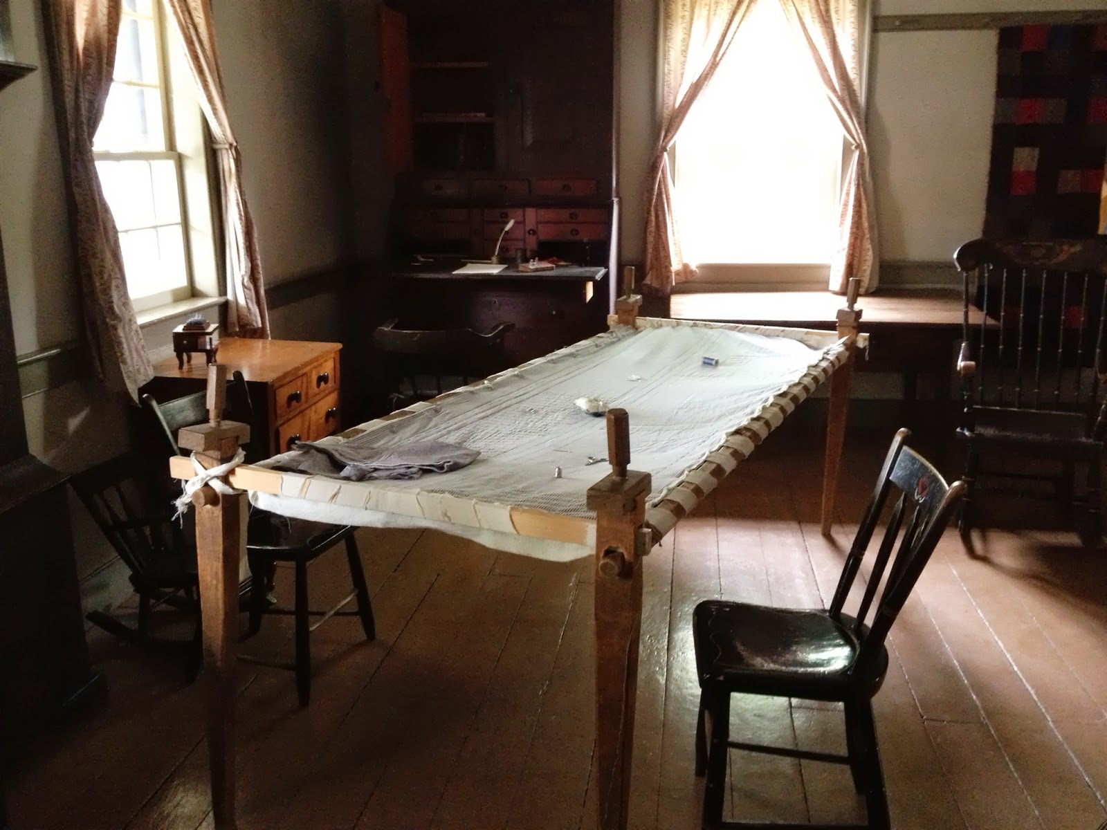 Mennonite Furniture Kitchener 1820 Log Schoolhouse Of Mennonite Quilts Shoo Fly Pie Thrift