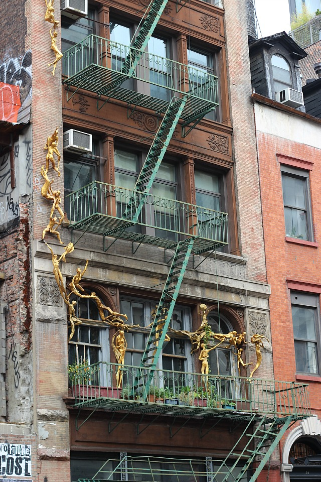 Bruce Williams dancing sculptures on 24 Bond Street in NYC's Noho