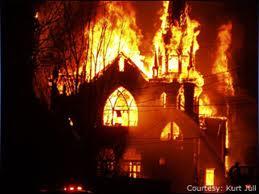 Se incendió la casa y fueron rescatadas gracias a metaleros
