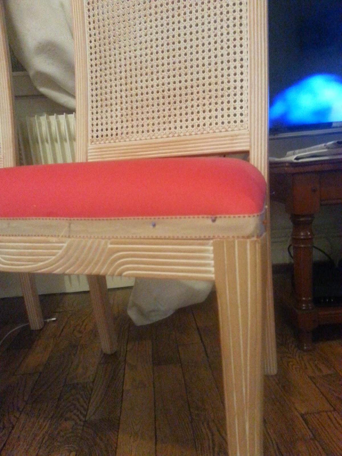 merci cl mence j 39 ai test pour vous retapisser des chaises. Black Bedroom Furniture Sets. Home Design Ideas