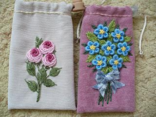 Вышивка цветов узелками