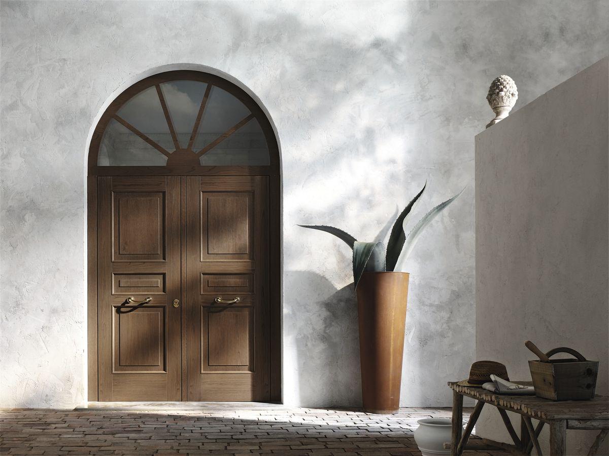 Elegir la puerta de entrada ideas para decorar dise ar for Puertas de madera para entrada principal de casa
