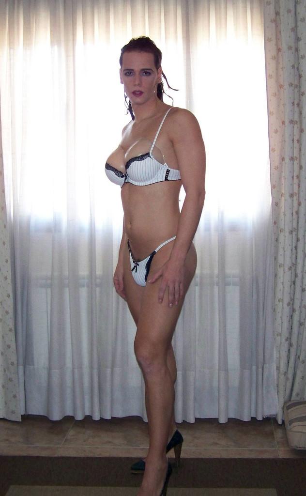 Трансексуалы в нижнем белье фото 692-429