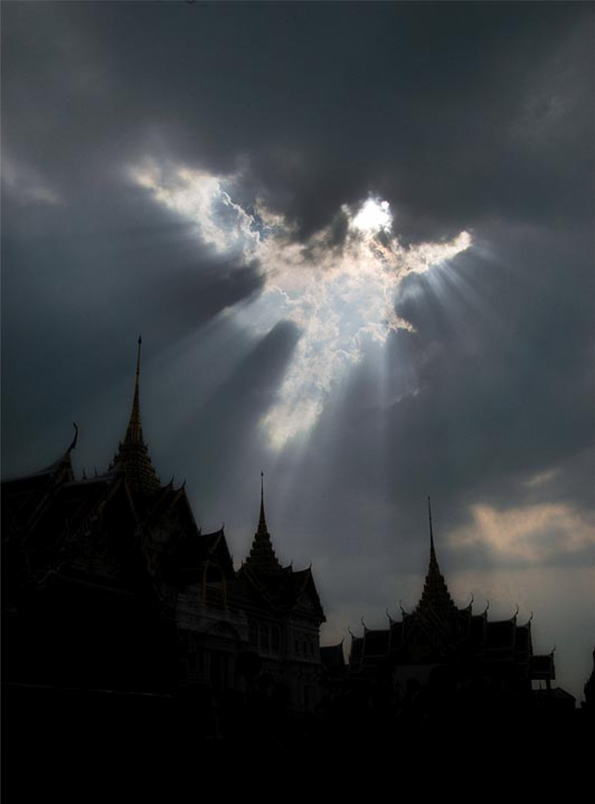 angel flying up to heaven - photo #38