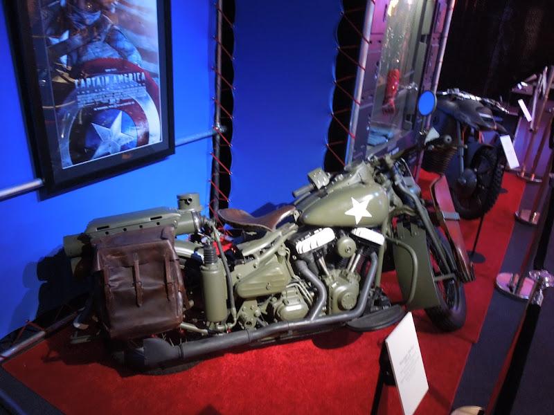 Captain America Steve Rogers 1942 WLA motorcycle