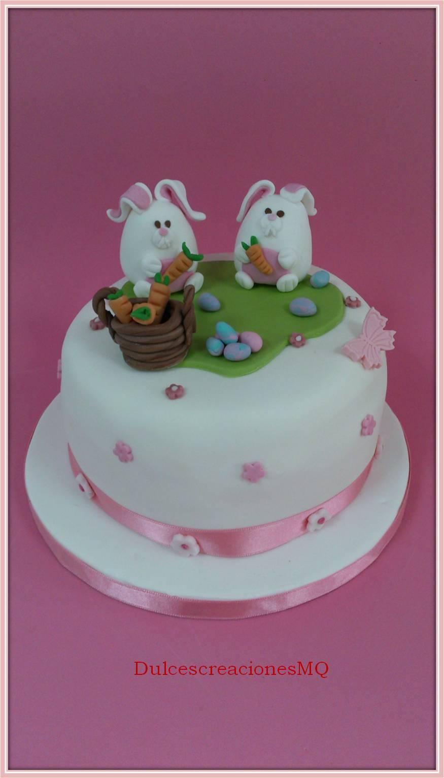 Tarta Mona Pascua Conejitos Conejos Bizcocho Vainilla Victoria Sponge Cake Dulce Fondant Buttercream Fresa Dulce de Leche Niña Cumpleaños Aniversario Huevos Zanahorias Flores Mariposas Primavera Esponjoso