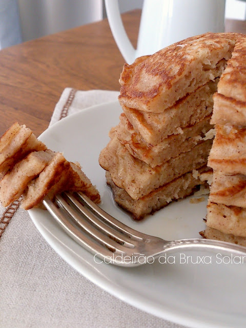 Panquecas de maçã com canela