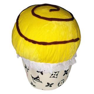Bantal cantik berbentuk CupCake.