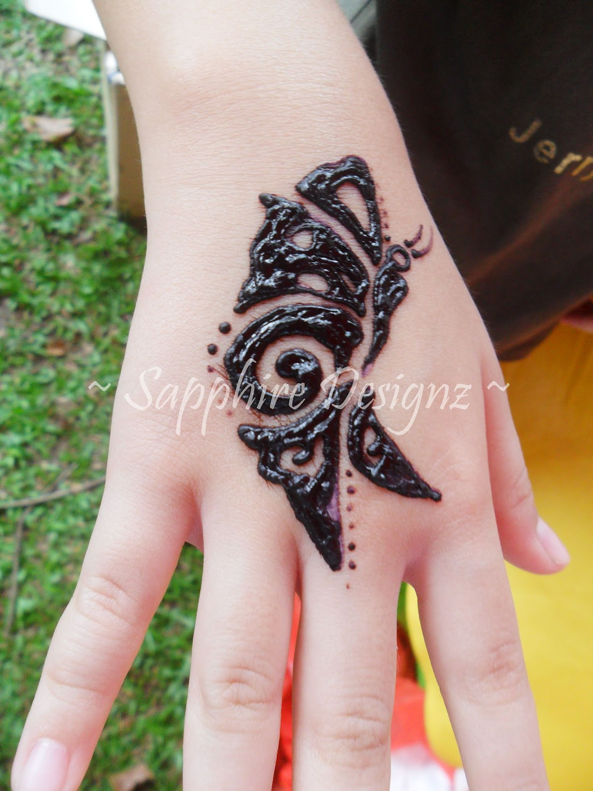 Sapphire Designz Fun Charity And Henna For Wesak