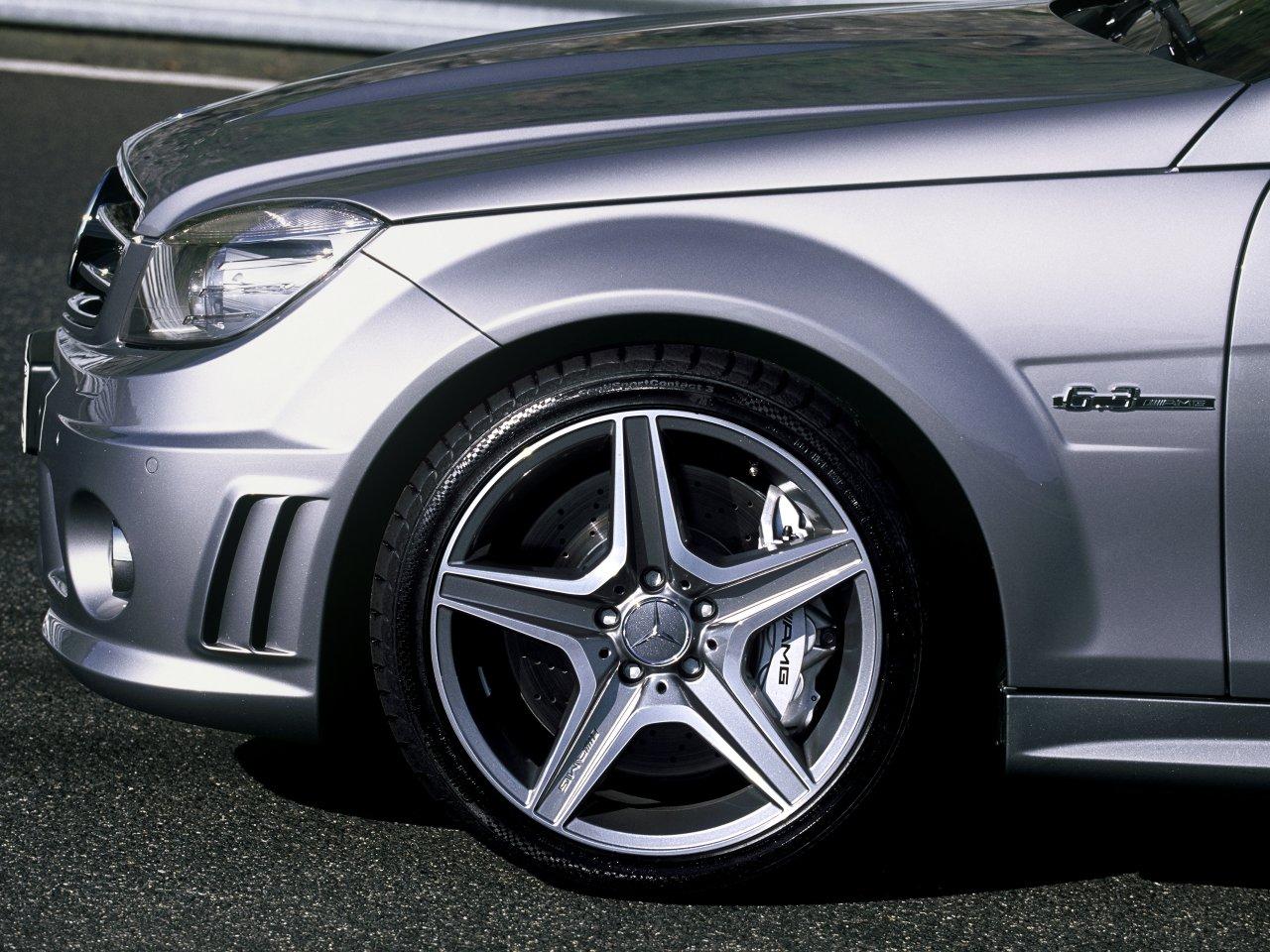 http://3.bp.blogspot.com/-jcrQVmCH2Xs/ThITsorcAqI/AAAAAAAACcM/Son81Sw_OEo/s1600/08_c63amg_wheel-3.jpg