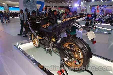 Pilihan Warna Yamaha R15