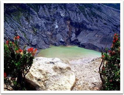 Obyek Wisata Gunung Tangkuban Perahu