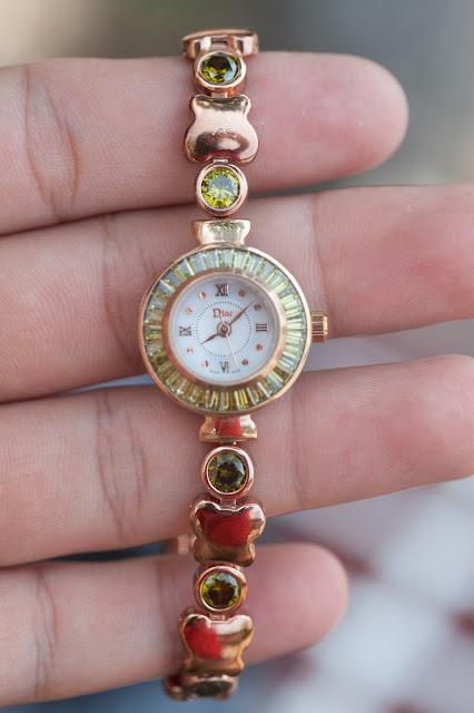 Đồng hồ nữ đính đá  Dior đẹp nhất 2015