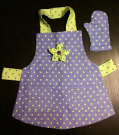 Lined Apron with play Oven Mitt or Potholder
