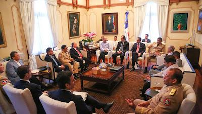 Éxito rotundo regularización de extranjeros; Presidente evalúa Plan