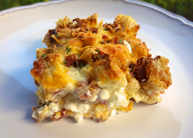 Cheesy Bacon Breakfast Casserole Recipe - bacon, Italian bread, cheddar, mozzarella, cottage cheese, milk, eggs, onion powder, ground mustard and pepper - Can make a head of time and refrigerate overnight. THE BEST breakfast casserole! Great for overnight guests.