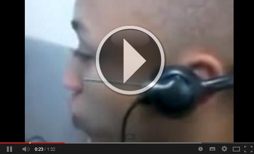 Vídeo funkeiro trabalhando no telemarketing