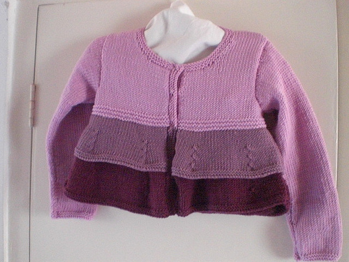 Girls' three colour cardi - Free Pattern